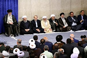 Iranian Officials Meet with Leader